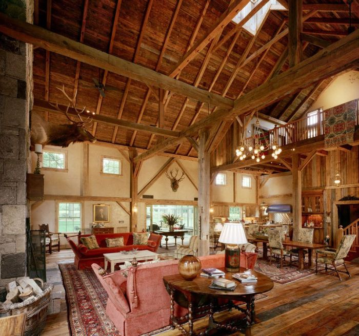 Old Barn From The 1800s Undergoes An Incredible Transformation