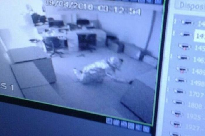 Thieves Dress Up In Tin Foil Before Robbing A Bank