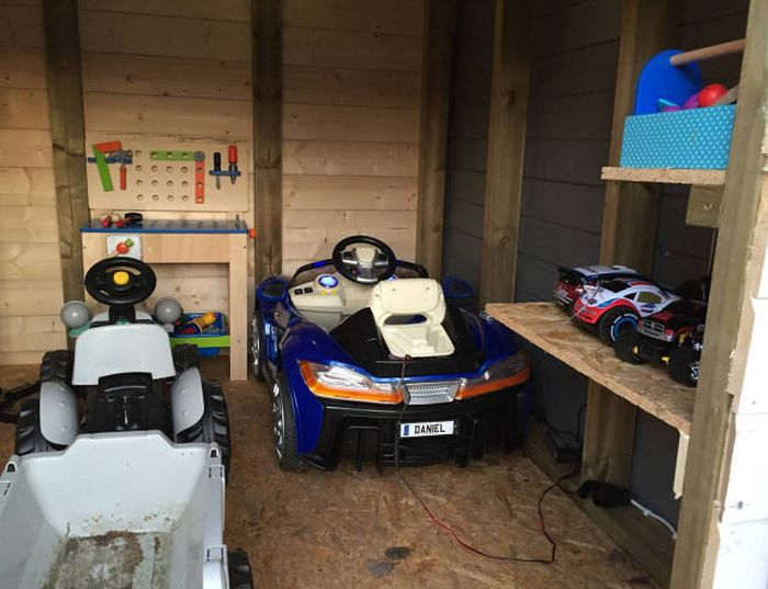 Caring And Creative Dad Builds A Mini Garage For His Son