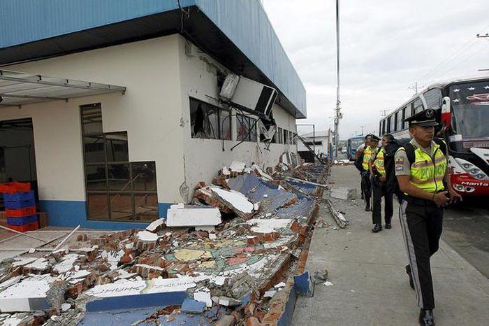 A Massive Earthquake Has Torn Ecuador Apart