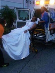 Girl Uses An Ambulance To Make A Dramatic Entrance At Prom