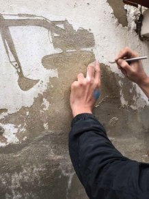 Artist Uses Old Paint To Share The Stories Of Palestinian Refugees