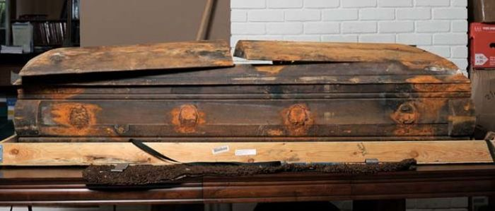 Lee Harvey Oswald's Coffin Got Caught Up In A Heated Legal Battle