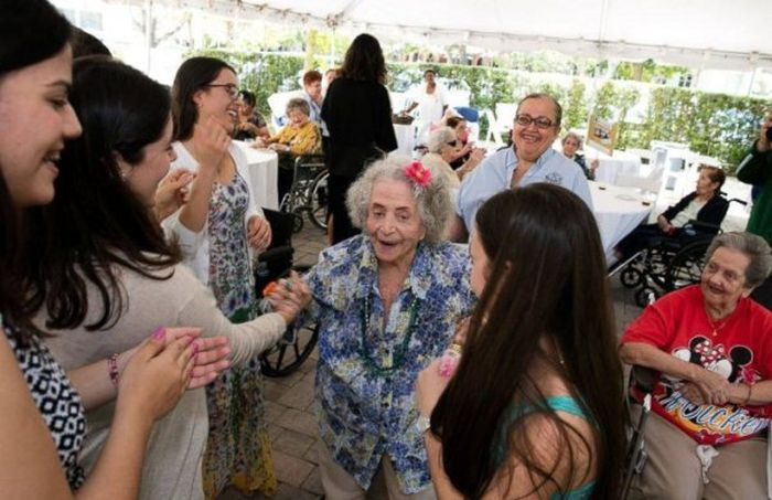 High Students Throw A Senior Prom For Senior Citizens
