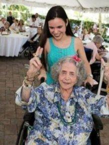 High Students Throw A Senior Prom For Senior Citizens