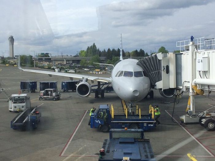 American Airlines Flight Makes Emergency Landing After