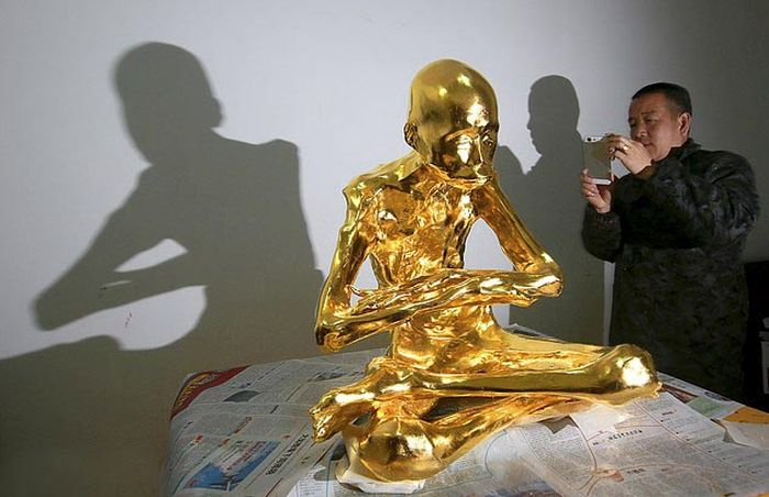 Buddhist Monk Gets Mummified And Turned Into A Gold Statue