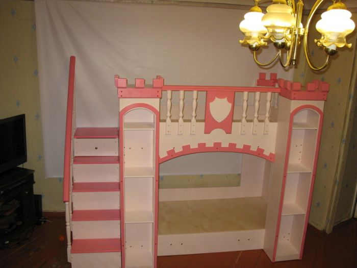 Dad Builds The Coolest Crib Ever For His Baby Daughter