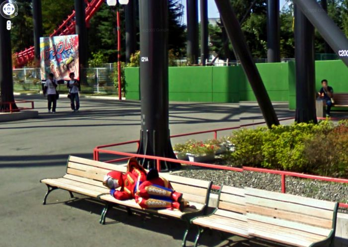 Strange Sights And Weird Moments That Were Caught On Google Street View