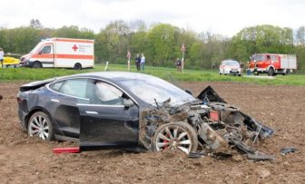 Tesla Model S Gets Destroyed On A Country Road