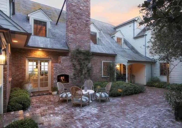 Miranda Kerr And Evan Spiegel Buy Huge Mansion In Brentwood, CA