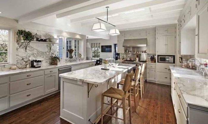 Miranda Kerr And Evan Spiegel Buy Huge Mansion In Brentwood, CA
