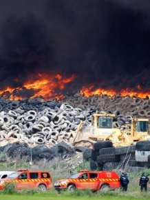 Authorities In Spain Suspect Arson After Five Million Tires Are Set Ablaze