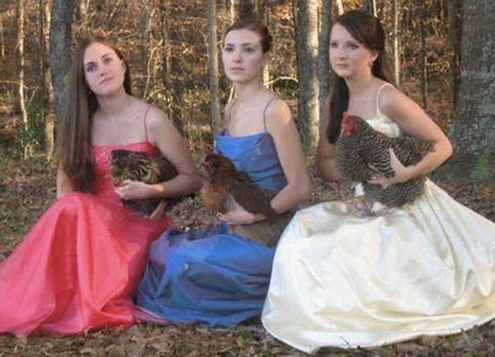 Awkward Prom Photos That Will Make You Cringe Like You've Never Cringed Before