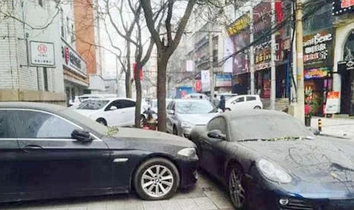 Chinese Car Owner Abandons His Porsche For An Entire Year