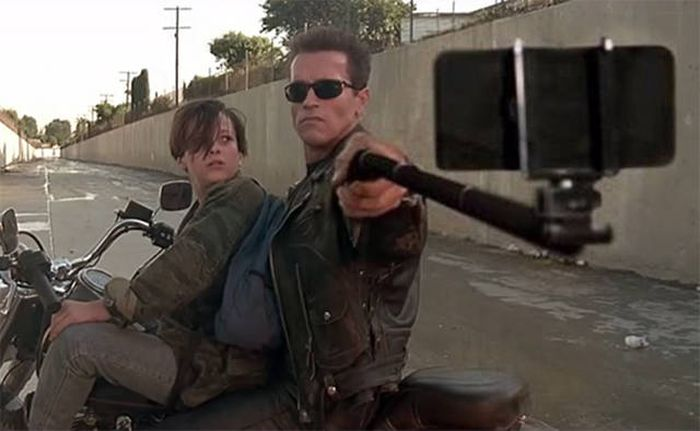 What Movies Would Look Like If Selfie Sticks Replaced All The Weapons