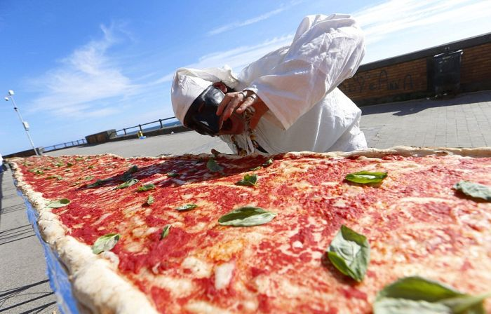 Chefs In Naples Cook The World's Longest Pizza