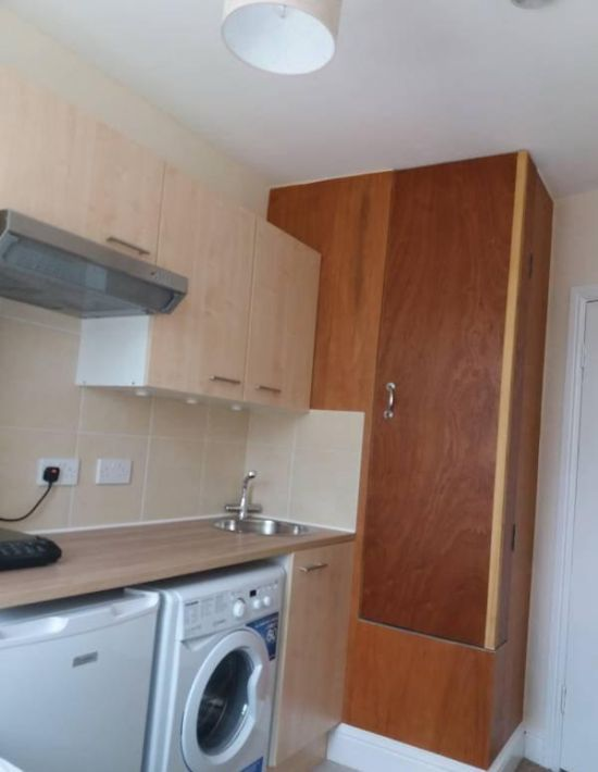 You Can Live In This Tiny Apartment In London For Only $850 A Month