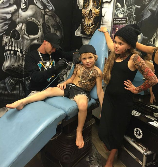 Artist Makes Hospital More Fun By Giving Sick Kids Cool Tattoos