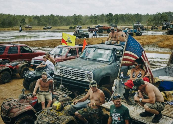 The Redneck Yacht Club Is A True Paradise For Rednecks