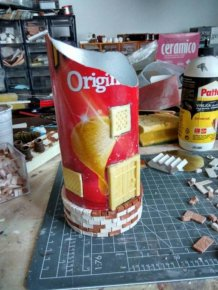Artist Creates Incredible Diorama Out Of An Old Chip Can