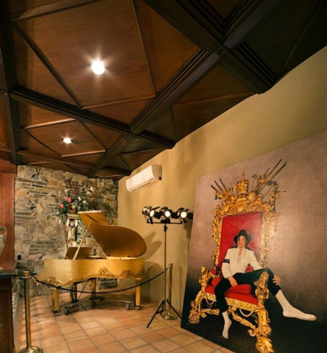 The Stunning Las Vegas Mansion That Michael Jackson Lived In Is On The Market