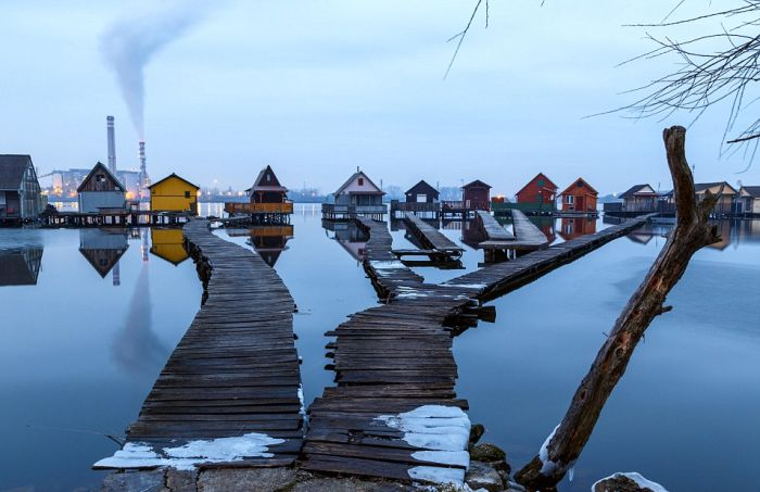 This Floating Village In Hungary Is A Little Slice Of Paradise