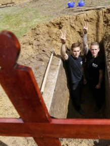 First National Gravedigging Competition Held In Debrecen