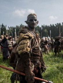 Fans Gather In The Czech Republic To Reenact A Battle From The Hobbit