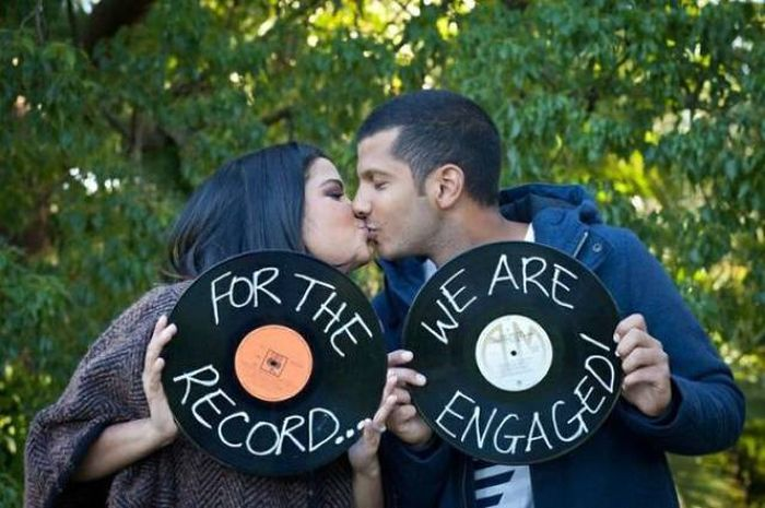 People Who Chose Clever Ways To Make Their Engagement Announcements