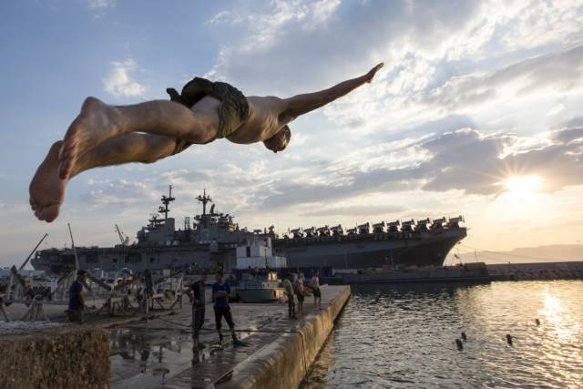 US Soldiers In The Navy And Marines Get To Swim In The Coolest Places