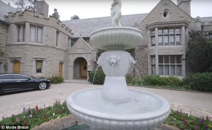 Twinkie Owner Buys The Playboy Mansion For $200 Million