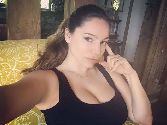 Kelly Brook Has The Perfect Body According To Science