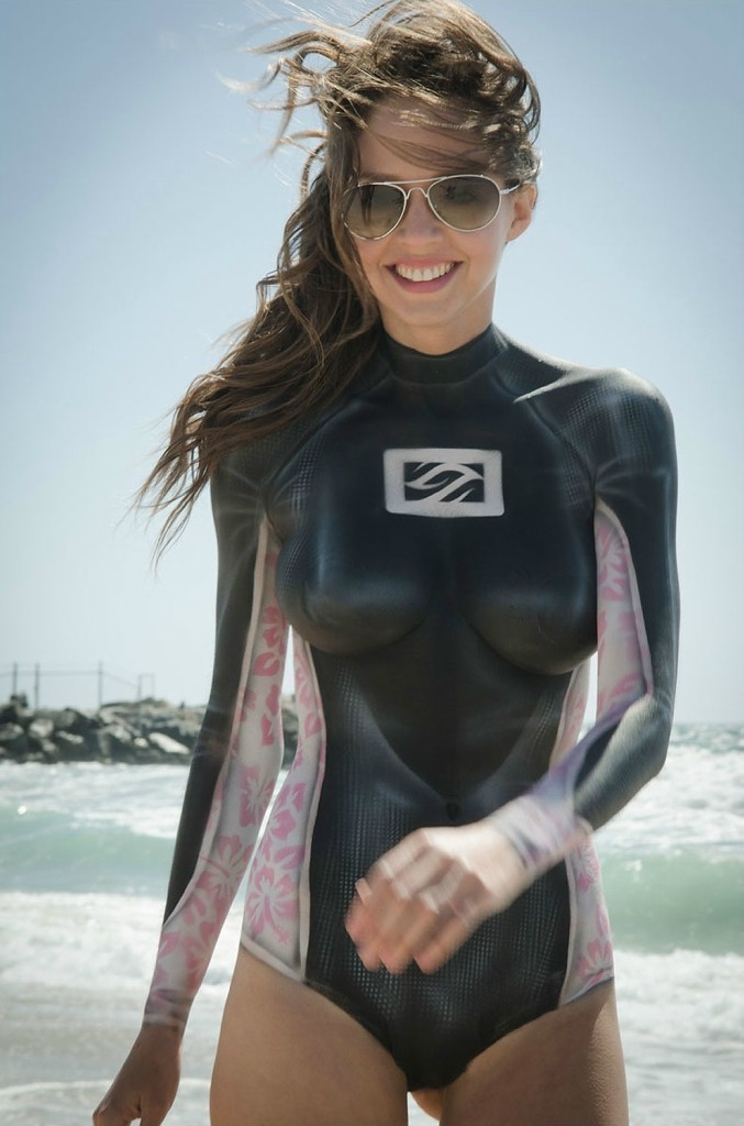 Awesome Body Art For Babes Who Want To Surf Others