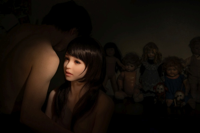 This Korean Photographer Takes His Sex Doll Everywhere