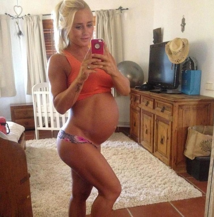 It Only Took 11 Months For This Model To Get Back Into Shape After Giving Birth
