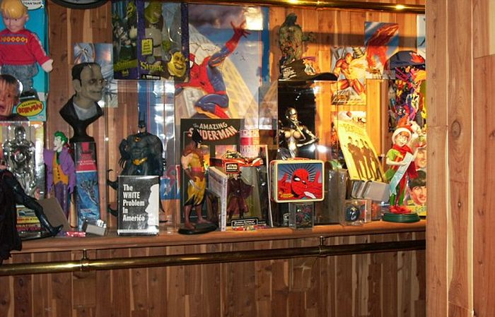 Michael Jackson Had A Massive Mannequin Collection At Neverland Ranch