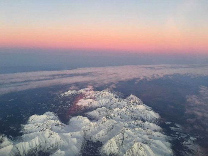 Incredible Photos That Were Taken From The Inside Of An Airplane