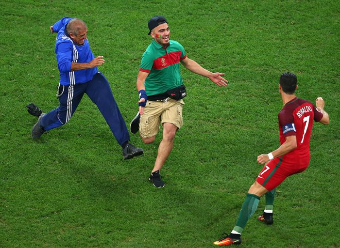 Awesome Photos That Sum Up The Best Moments Of Euro 2016, part 2016