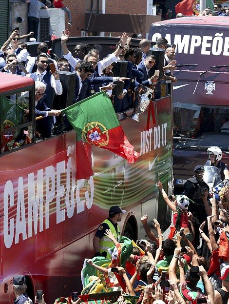 Cristiano Ronaldo And Portugal Keep The Euro 2016 Party Going