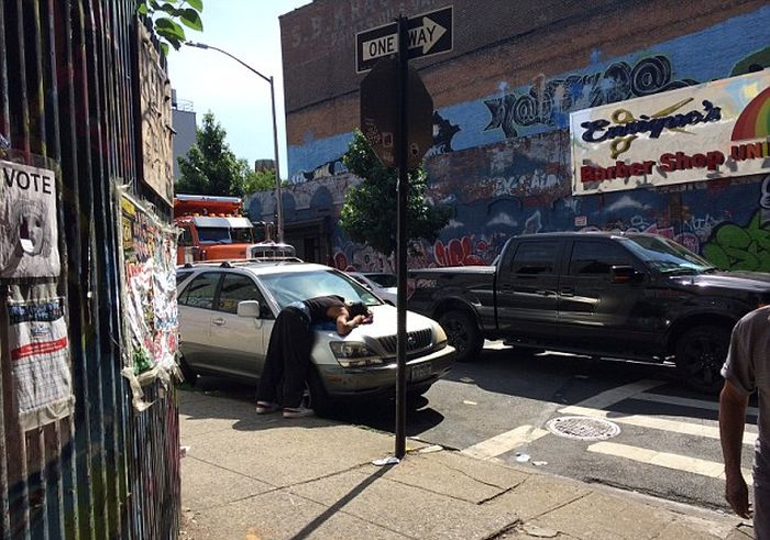 People Collapse In New York City After Smoking A Bad Batch Of Synthetic Marijuana
