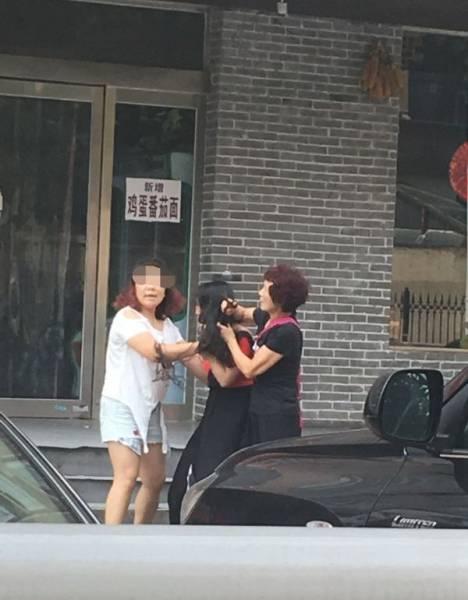 Angry Female Gets Brutal Revenge On Her Husband's Lover
