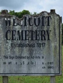 Curious Explorer Finds Something Creepy In An Old Cemetery
