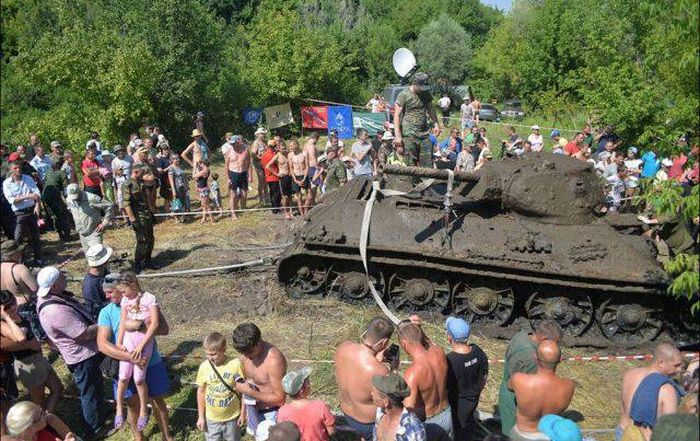 Long Lost Tank Discovered At The Bottom Of A River