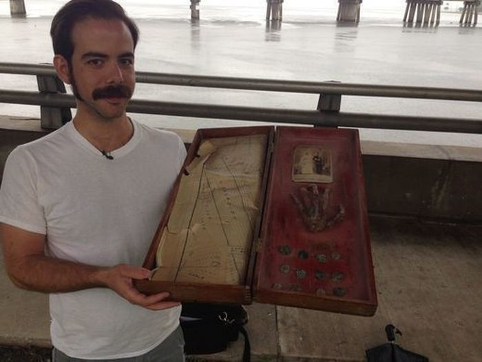Family Finds A 200 Year Old Secret In Their Grandfather's Attic