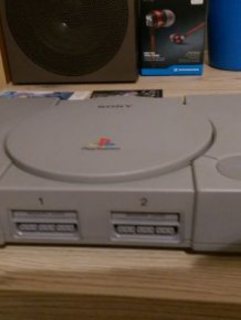 Gamer Tranforms A Playstation One By Giving It An Epic Paint Job