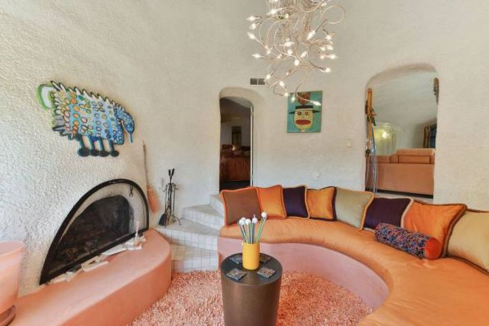 No One Wants To Buy This House Because Of The Crazy Design