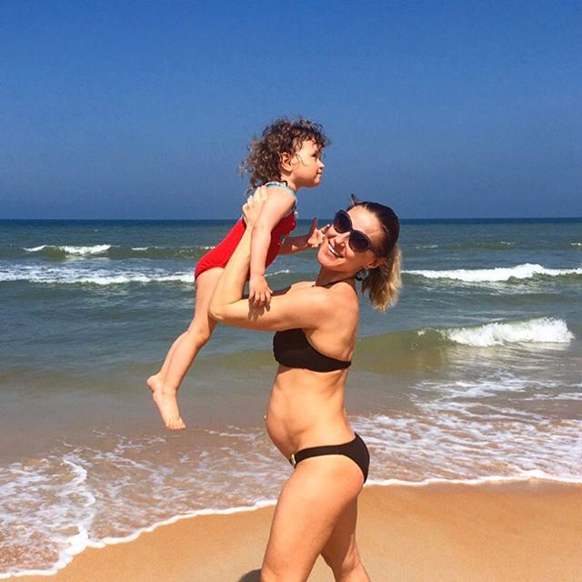 Russian Instructor Creates Pregnant Fitness Routine