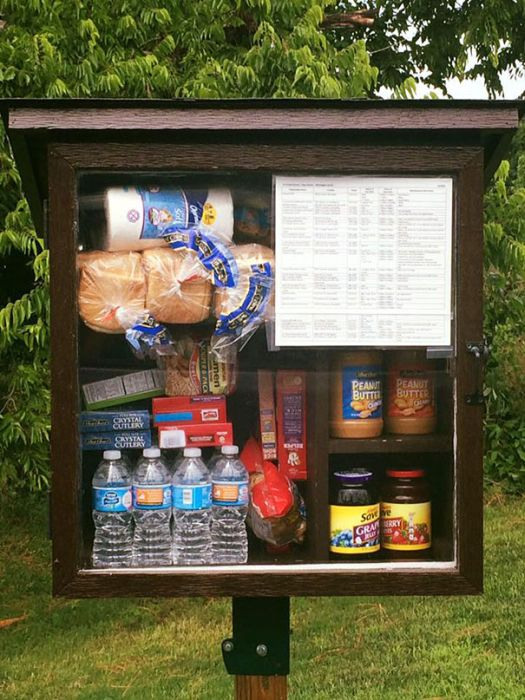 This Little Street Pantry Is An Awesome Idea