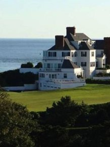 An Inside Look At Taylor Swift's $17 Million Dollar Rhode Island Mansion
